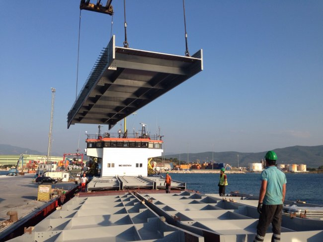 Port Operations & Cargo Securing