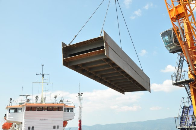 Our Heavy Lift Transportation Services